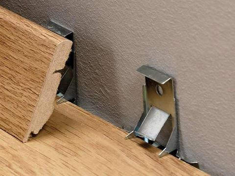 Клипсы Quick-Step для плинтуса стандартного (394*139*59) 50шт. к ламинату 7-8 мм