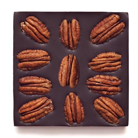 Шоколад ремесленный горький на меду, с орехом пекан, 72% какао, 50 г