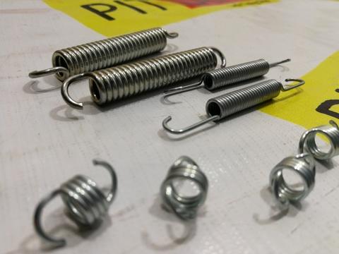 Пружины задних тормозных колодок