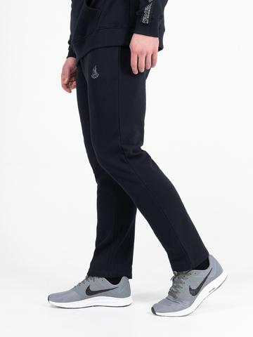Спортивные штаны тёмно-синего цвета без лампасов, без манжета