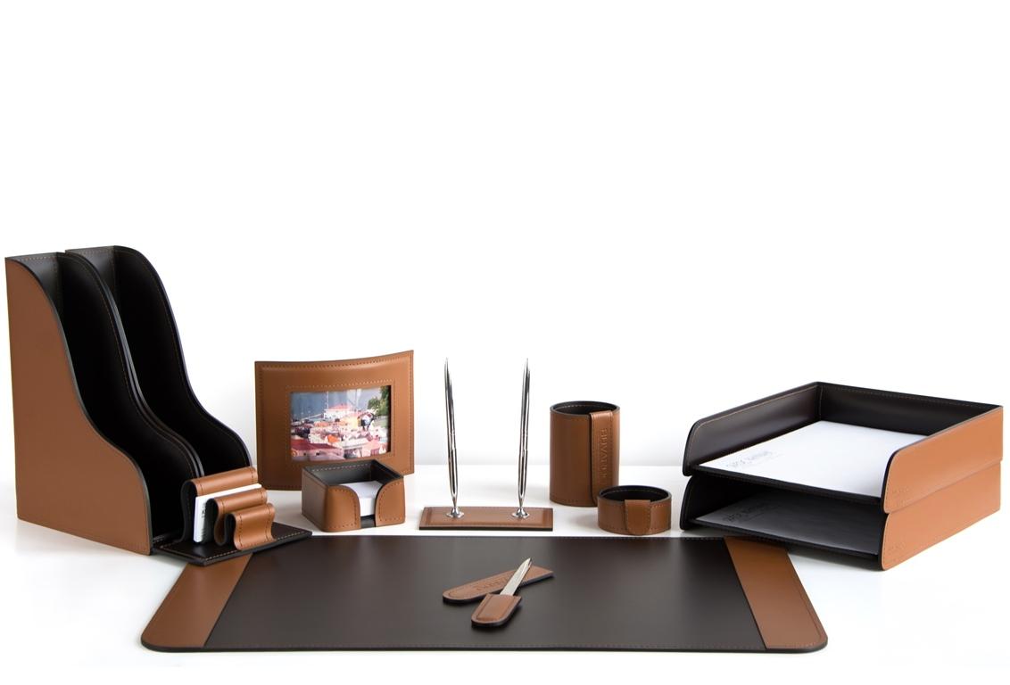 набор на стол руководителю из светло-коричневой кожи