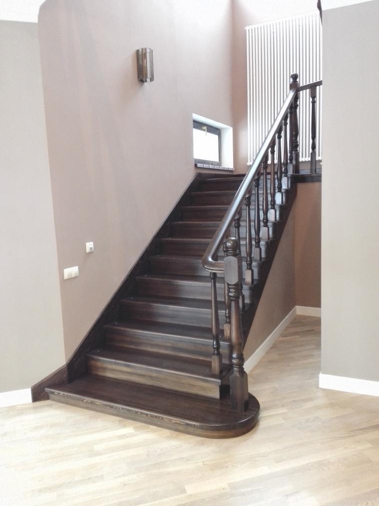 Отделка бетонной лестницы массивом лиственницы. Проект №16