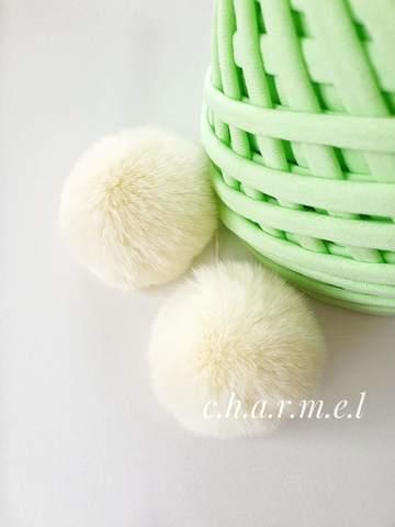 Помпон из натурального меха, Кролик, 5-6 см, цвет Нежно-лимонный, 2 штуки