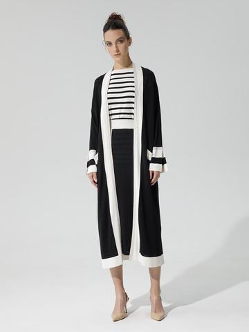 Женский кардиган черного цвета с карманами и контрастными вставками - фото 2