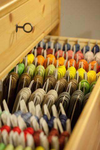 Льняные  плетеные шнуры 3 и 4 мм, 25 цветов