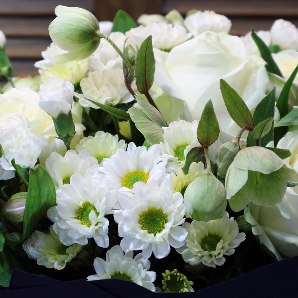 Купить букет белых хризантем в Перми