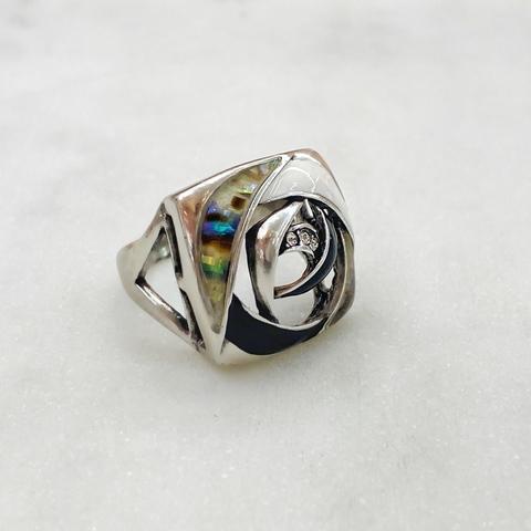Кольцо Vi Роза  перламутр, эмаль, фианиты