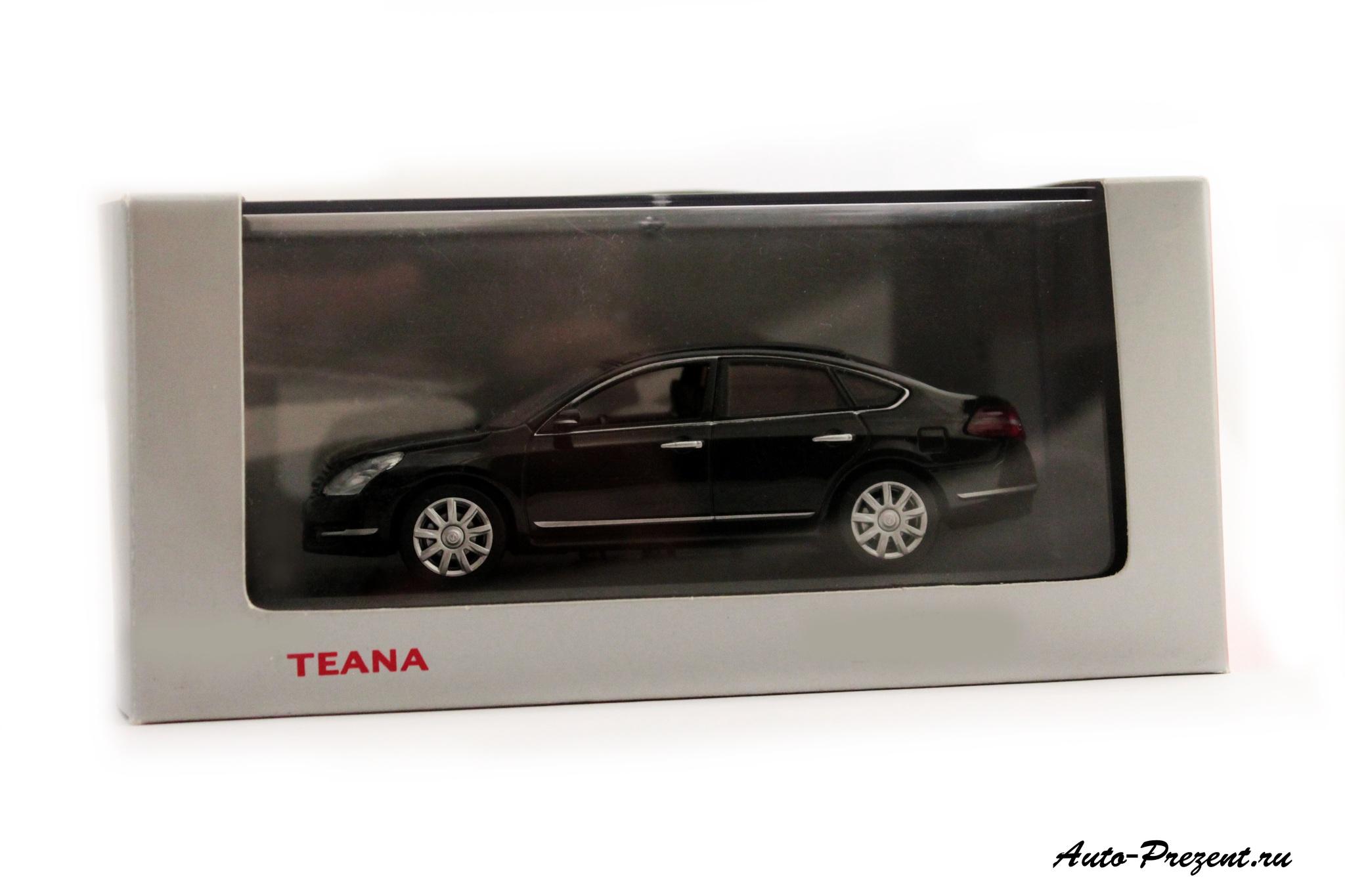 Коллекционная модель Nissan Teana