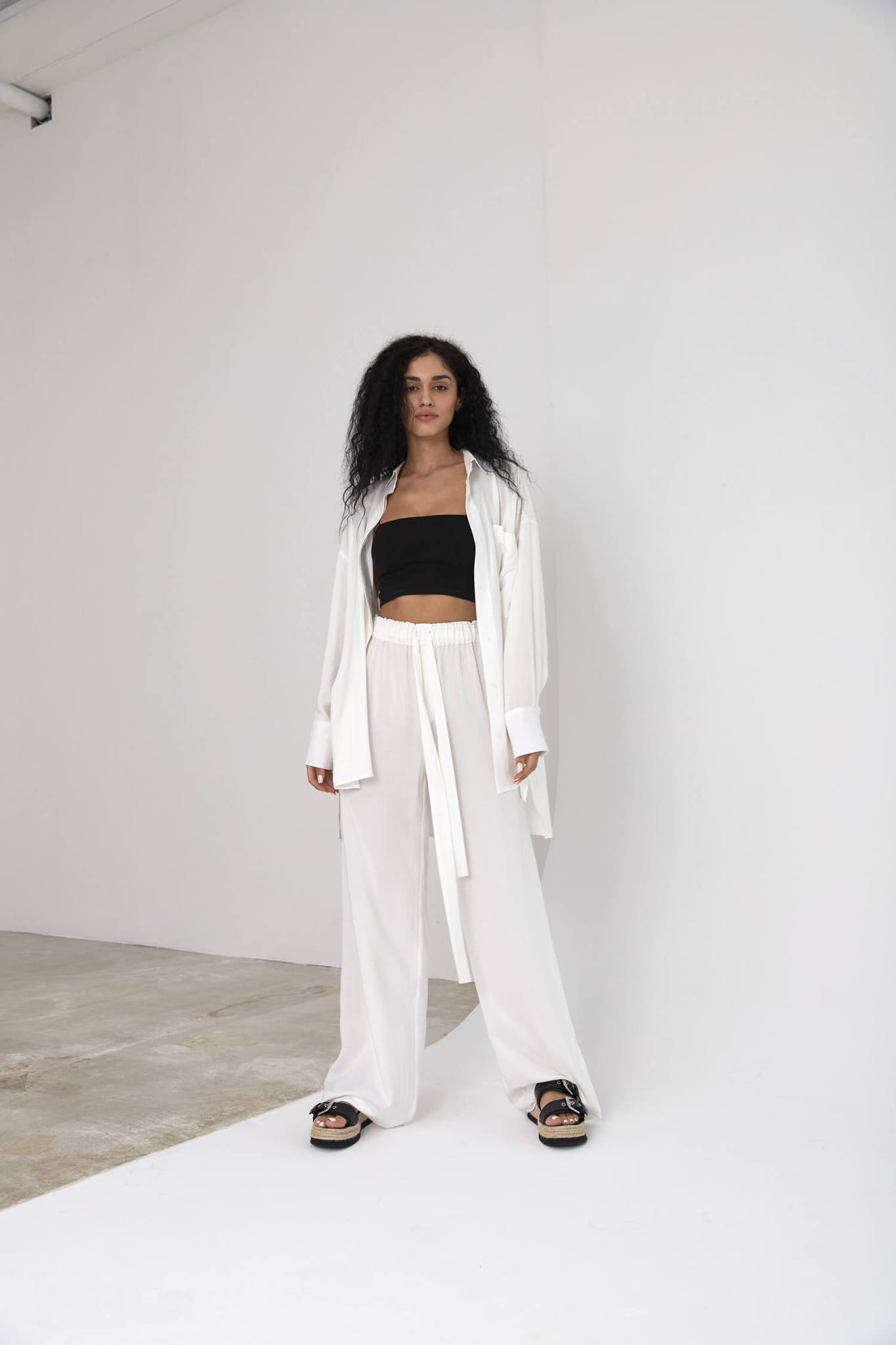 Прямые брюки на кулиске из вискозы, молочно-белые