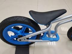 Беговел Chillafish Fixie синий сиденье и заднее колесо