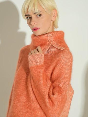 Женский свитер терракотового цвета из мохера и кашемира - фото 3