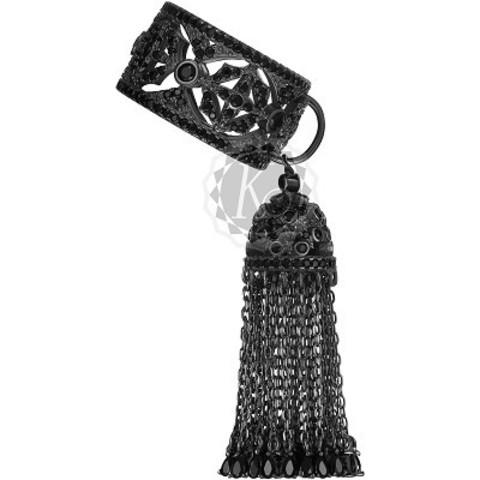4650- Кольцо из серебра в черном родии с кисточкой из цепочек