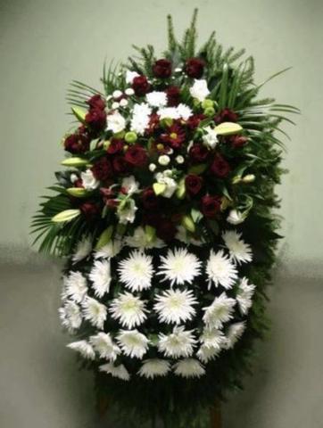 Венок из живых цветов заказной ВЖ-11