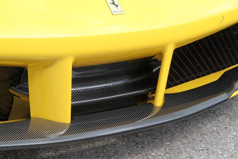 Карбоновая дополнительная часть губы переднего спойлера Novitec Style для Ferrari 488 GTB