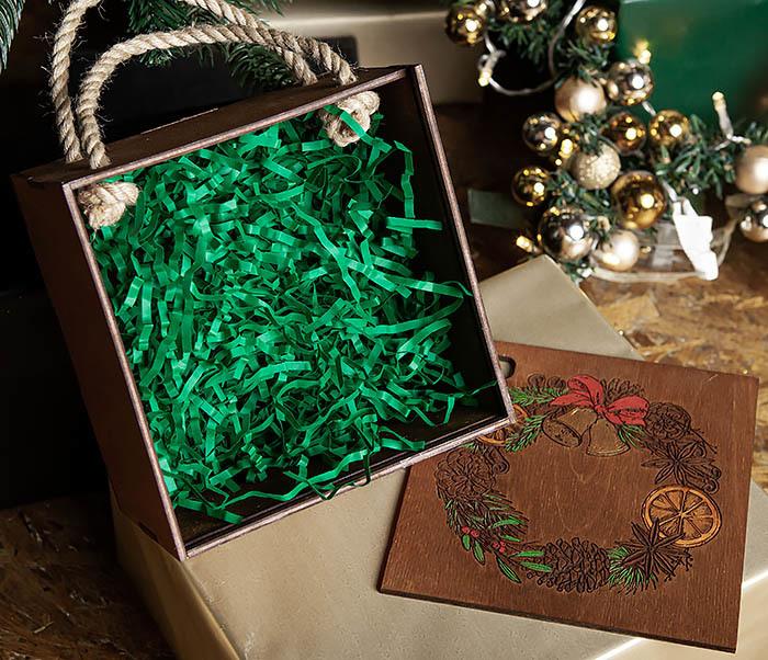 BOX254-2 Новогодняя коробка с рождественским венком, ручная роспись (17*17*10 см) фото 07
