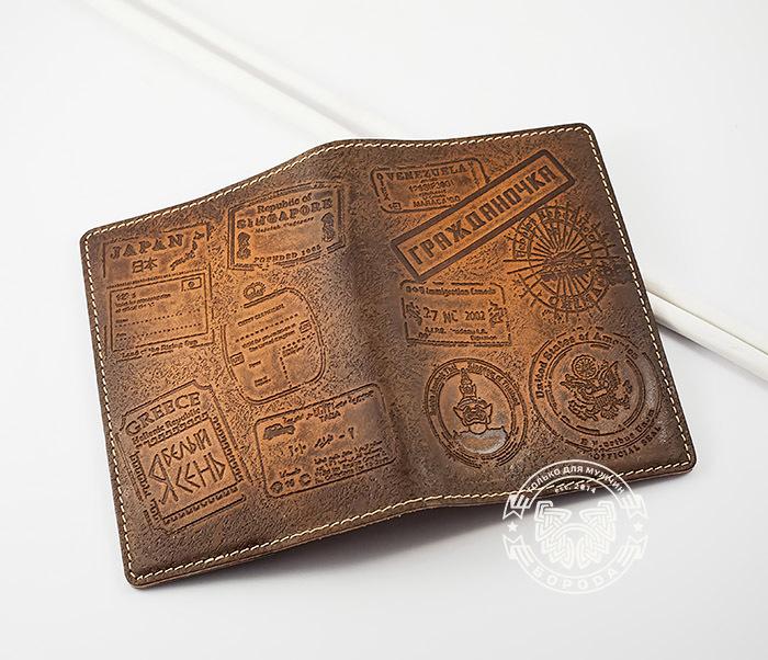 BY14-03-05 Кожаная обложка на паспорт «Гражданочка» фото 03