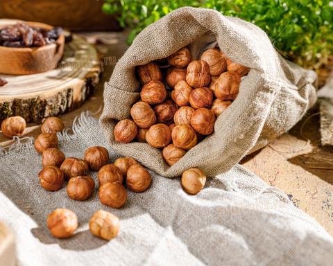 отборные орешки фундук из Дагестана