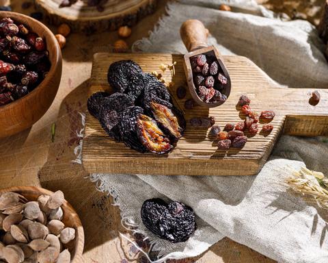 великолепные натуральные армянские сухофрукты