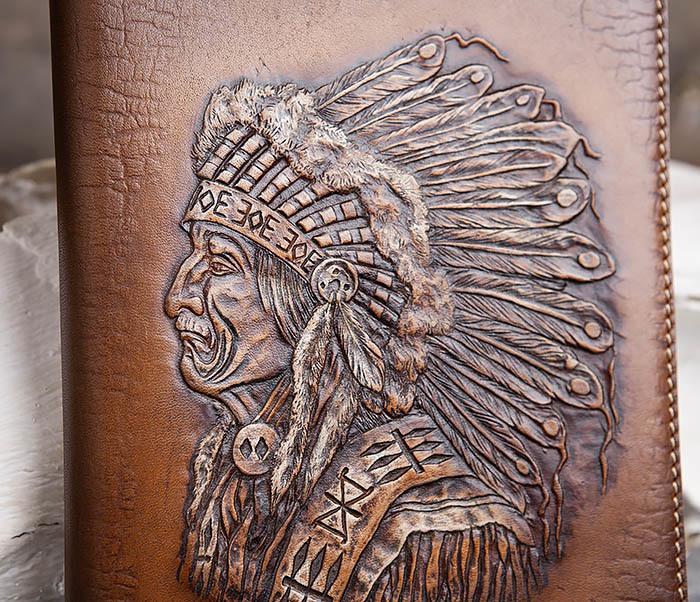 BY05-18-01 Подарочный кожаный ежедневник с изображением вождя индейца (А5) фото 02