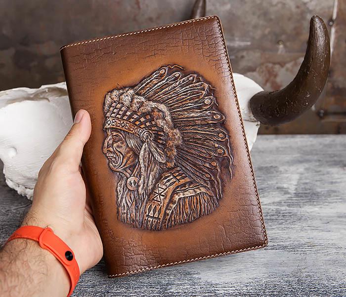 BY05-18-01 Подарочный кожаный ежедневник с изображением вождя индейца (А5) фото 04