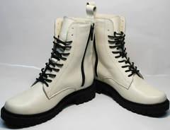 Белые женские модные зимние ботинки Ari Andano 740 Milk Black.