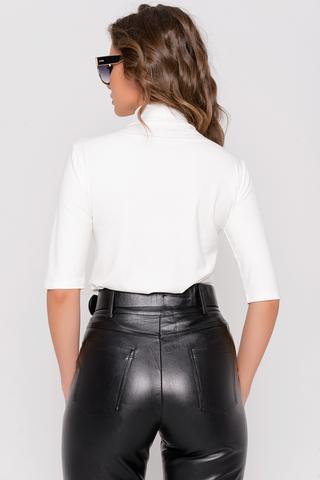 """<p><span>Истинная женственность вне времени. Базовый джемпер """"Бэрти"""" это не только стиль, но еще удобство, качество и комфорт. Джемпер универсален, носить можно как с любимыми джинсами, так и с классическим костюмом в офис.</span></p> <p><span>(Один размер: 46-52)</span></p>"""