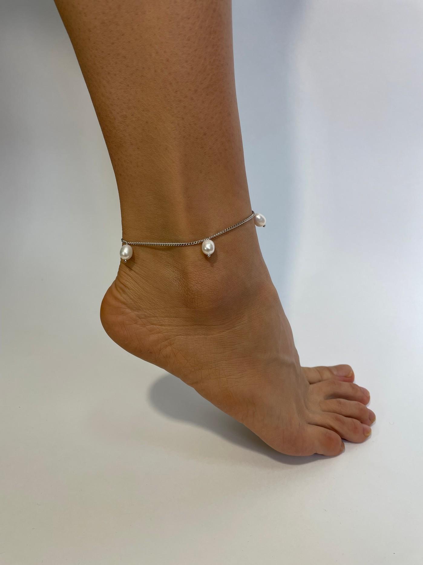 Серебряный браслет на ногу, анклет с белым вытянутым жемчугом