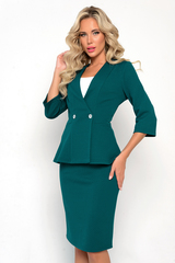 """<p>Умопомрачительный костюм """"Фламинго"""" в строгой цветовой гамме исключительно для деловой, успешной леди. Жакет с баской идеально подчеркнет Вашу талию. Юбка прямого кроя на резинке со шлицей. (Топ в комплект НЕ входит). (Длина жакета 46 - 52 р&nbsp; 62 - 64 см)</p>"""