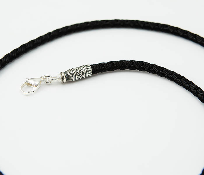 PL287-1 Мужской плетеный чокер из текстиля с посеребренным карабином «Византия» фото 03