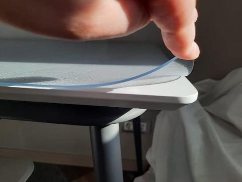 Коврик на кухонный стол матовый толщина 2 мм.