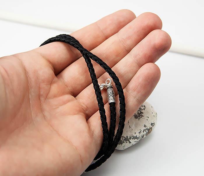 PL287-1 Мужской плетеный чокер из текстиля с посеребренным карабином «Византия» фото 05