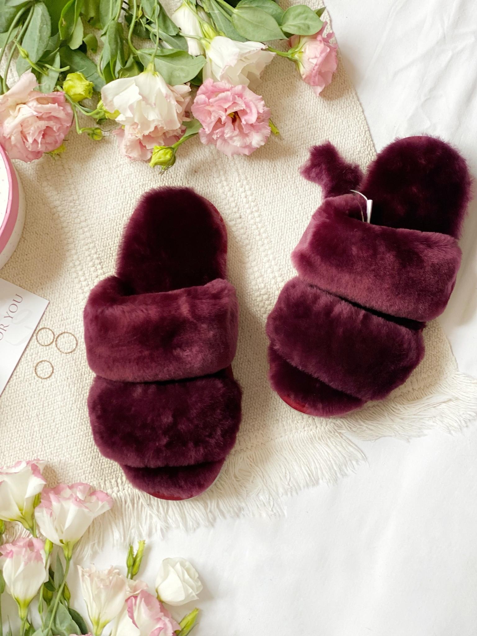 Меховые тапочки пурпурные с параллельными шлейками (из наличия)