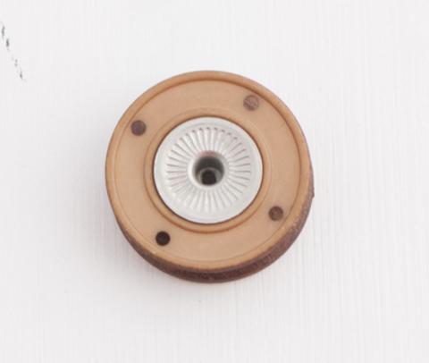 Кнопка пришивная рыжая, 23 мм