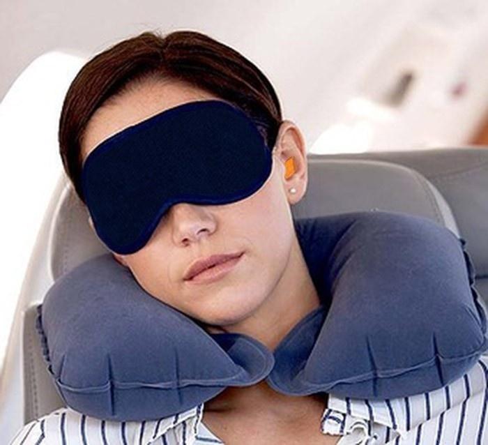 Дорожный набор 2 в 1.(Надувная подушка, маска для сна) jxrb_lkz_cyf.jpg