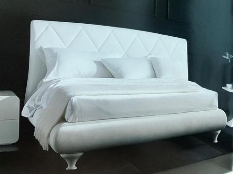 Кровать для спальни ALEXIA (3147PN) 180x200 (TR505 белый кат.В, экокожа, LO79 белые ноги) ПУСТОТА, Материал каркаса: Металл, Цвет каркаса: Белый TR505