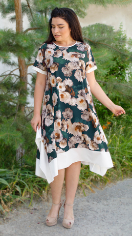 Адажио лето. Праздничное платье больших размеров. Роза изумруд.