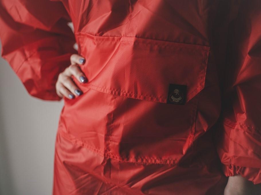 Красный дождевик - Попугай