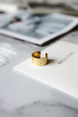 Кольцо DATE