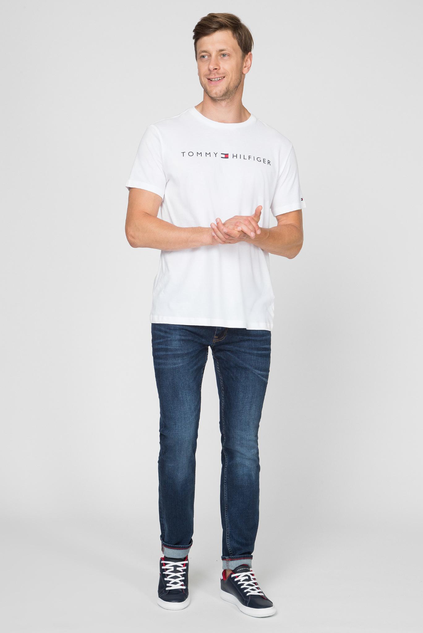 Мужская белая футболка CN SS TEE LOGO FLAG Tommy Hilfiger