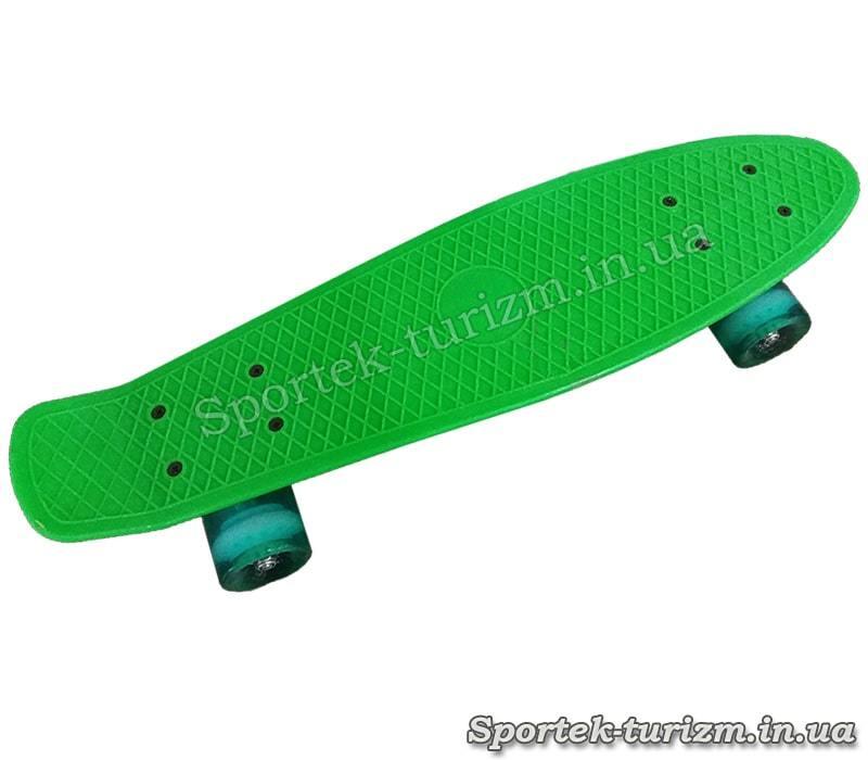 Пенибоард зеленый со светящимися бирюзовыми колесами