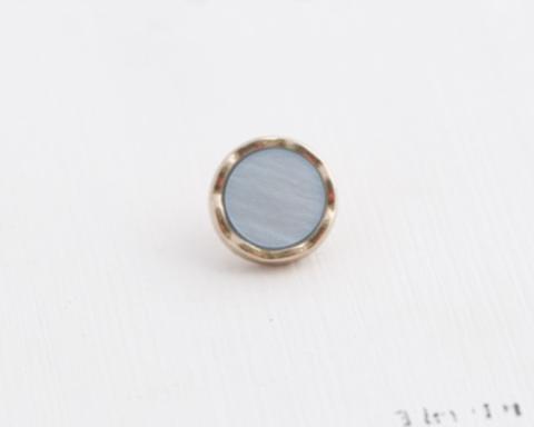 Пуговица маленькая, на ножке, с пластиковой вставкой, металл золотого тона, вставка серо-голубая, 9 мм