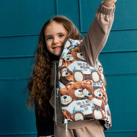 Детский жилет с авторским принтом для девочки