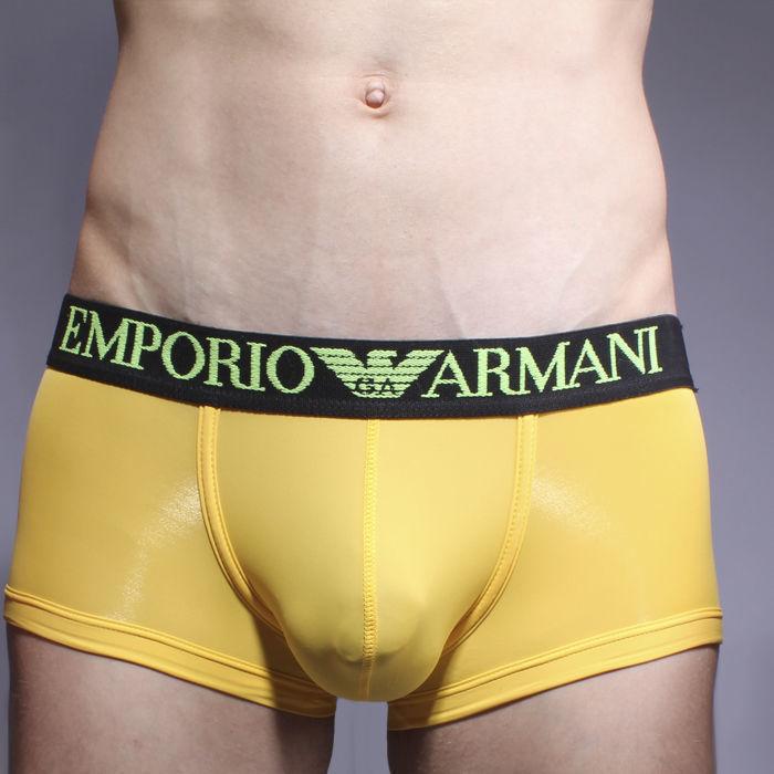 Мужские трусы хипсы желтые с черной резинкой Emporio Armani Basic Intimates Hip Brief