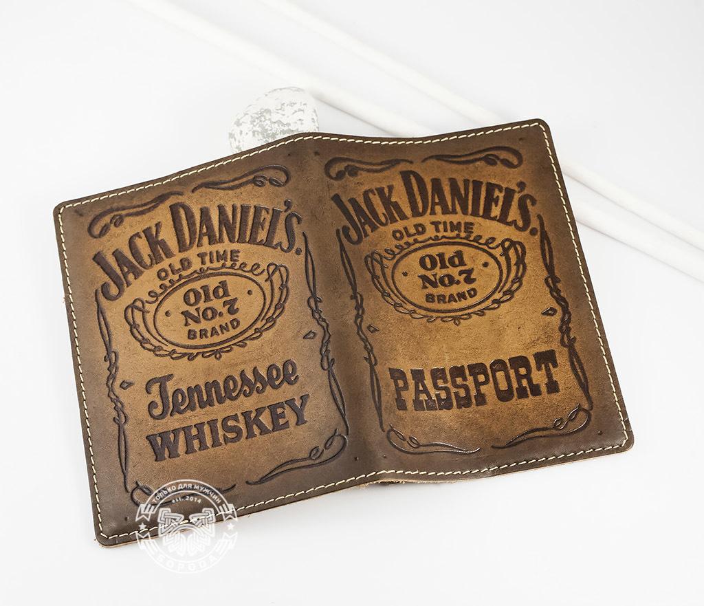 BY14-27-01 Кожаная обложка на паспорт «Jack Daniels» фото 04