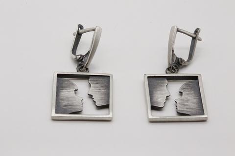 Серьги из серебра без камней по цене 3400 руб. СИ-А2873400590