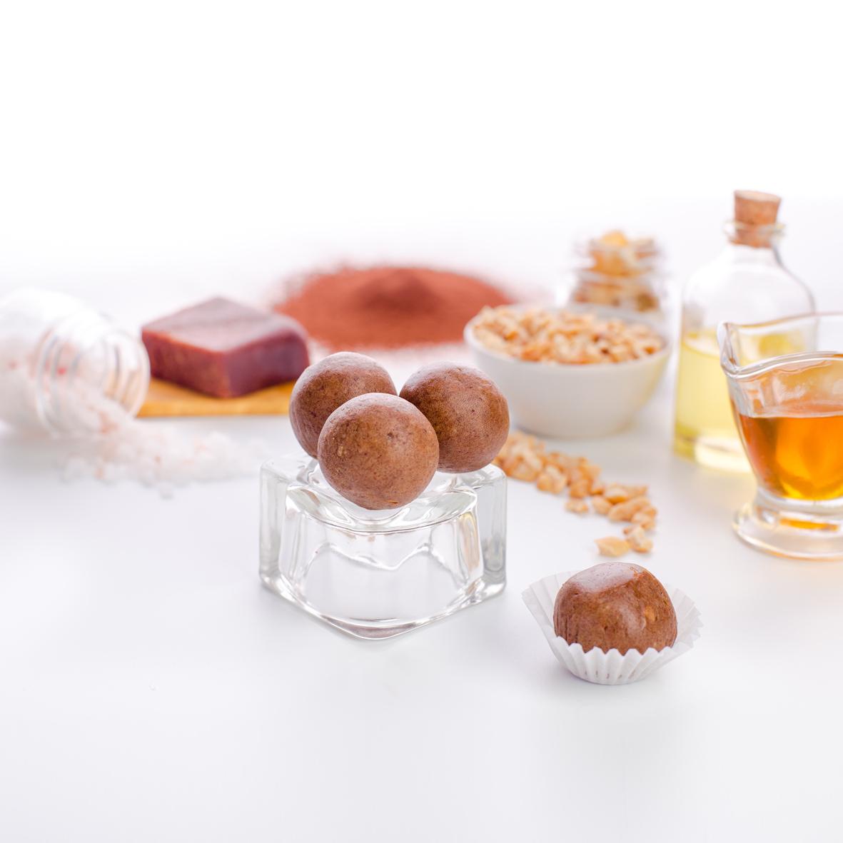 Набор полезных конфет UMP PREMIUM PROTEIN Конфеты орехово-фруктовые Протеин семян конопли (12 упаковок по 2 конфеты)