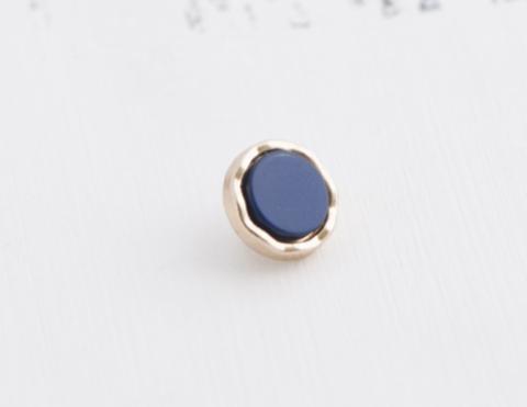 Пуговица маленькая, на ножке, с пластиковой вставкой, металл золотого тона, вставка синяя, 9 мм