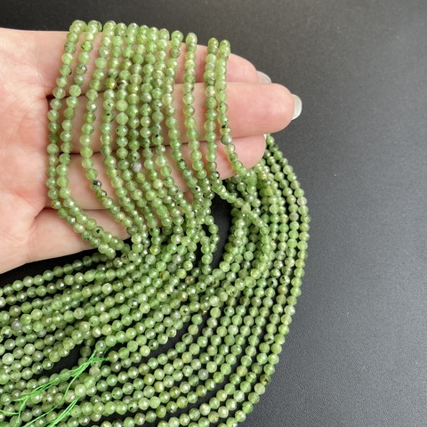 Бусины нефрит А+ граненый 3,3 мм цена за 60 бусин (~19 см)