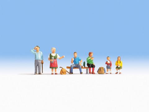 Туристы (6 фигур с предметами)
