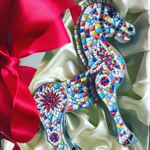 Деревянная статуэтка Лошадь с мозаичным узором